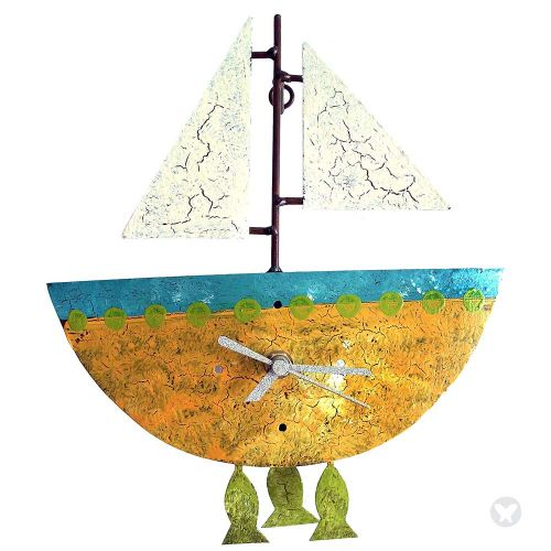 Reloj barco con peces amarillo